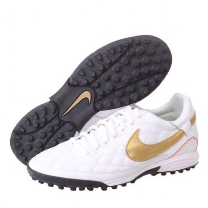tf足球鞋